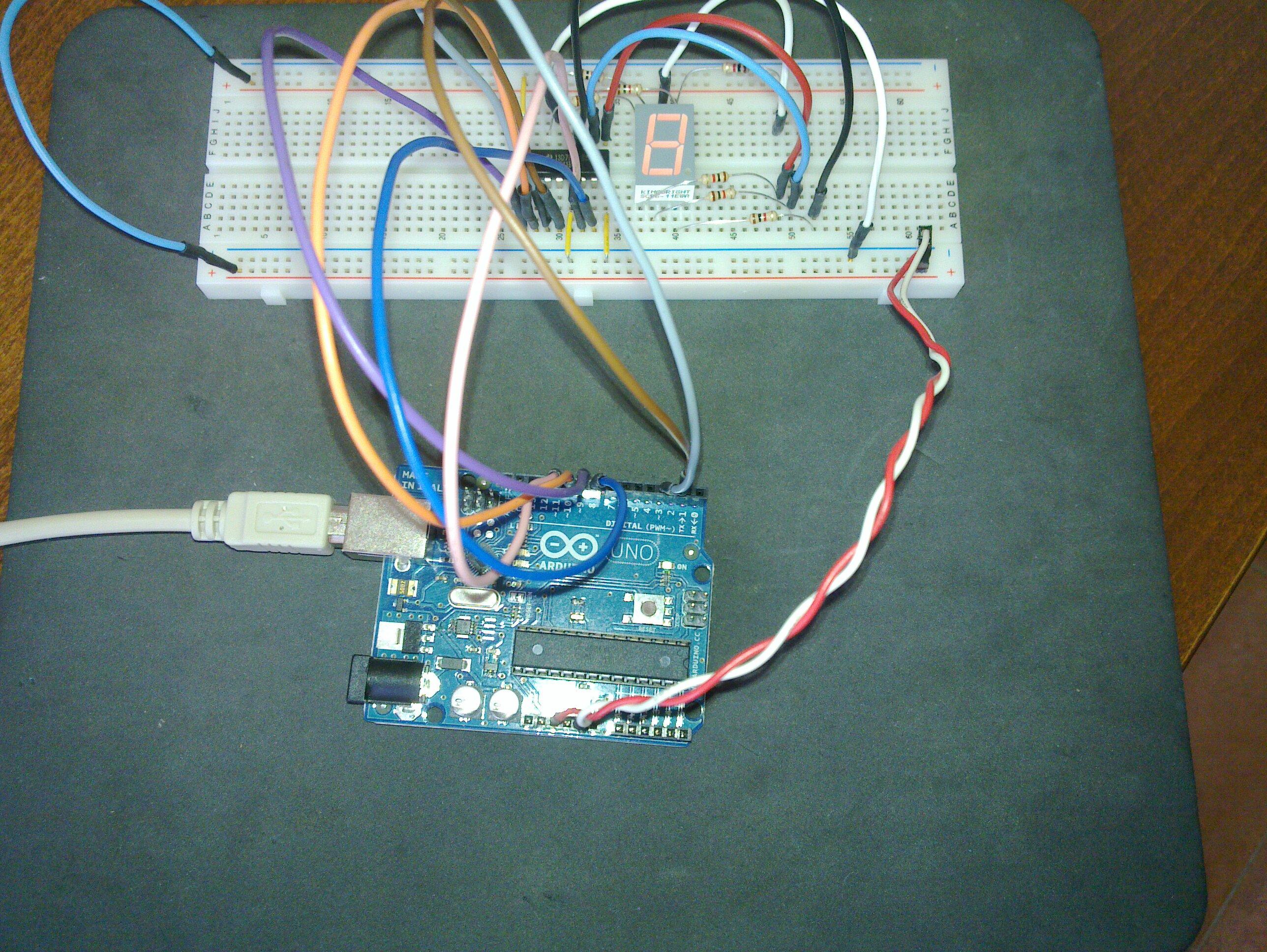 Arduino UNO running 4-digit 7-segment display
